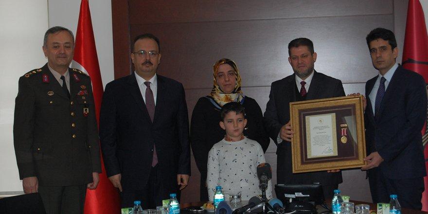 Konya'da şehit aileleri ve gazilere devlet övünç madalyaları verildi