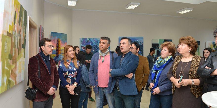 Güzel Sanatlar'da sergi açıldı
