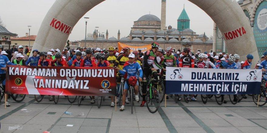 Bisikletçilerden anma ve destek