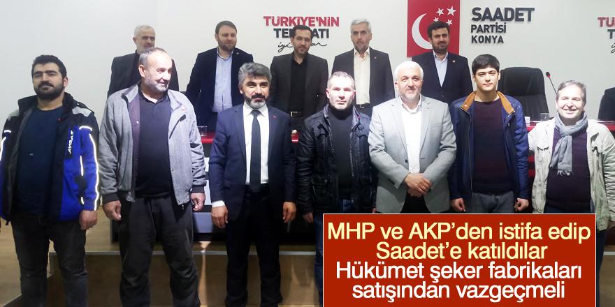 Partilerinden istifa edip Saadet'e katıldılar