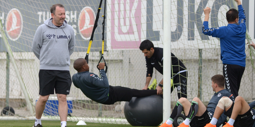 Atiker Konyaspor'da Osmanlıspor maçı hazırlıkları devam etti