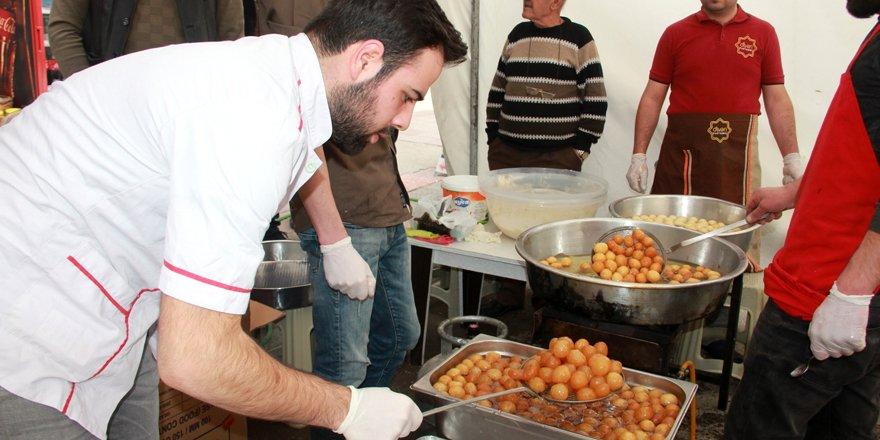 Seydişehir'de şehitler için lokma tatlısı dağıtıldı