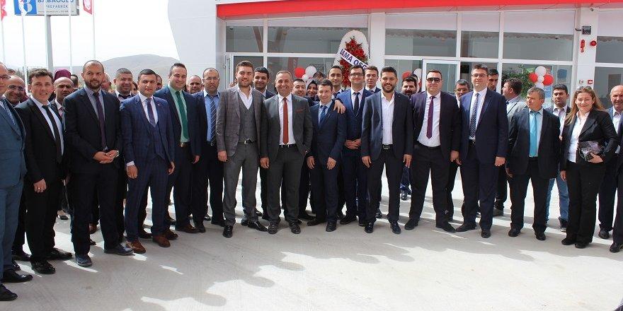 Nadir Avcan'ın 11. şubesi Ladik'te açıldı