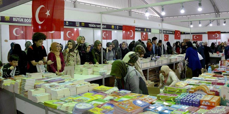 Kitap Günleri'ne 200 bin ziyaretçi