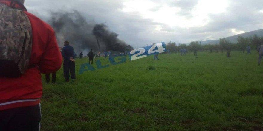 Cezayir'de 200 kişiyi taşıyan askeri uçak düştü