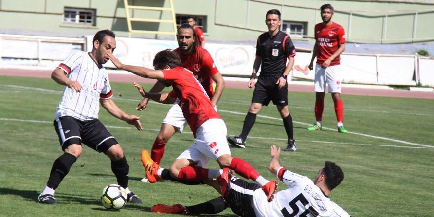 Akşehirspor BAL'da kaldı