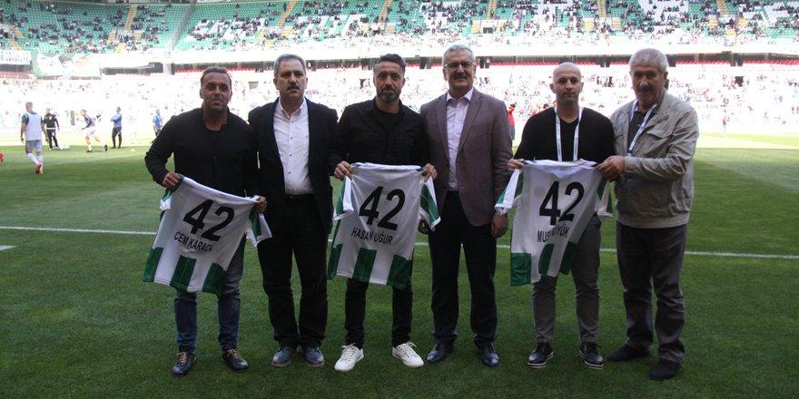 Konyaspor'un 3 oyuncusu onore edildi