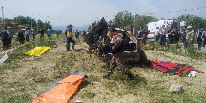 Konya'da feci kaza: 4 ölü
