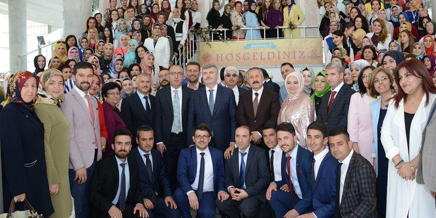 Bildergebnis für Ceyhan'da Türkçülük Şöleni