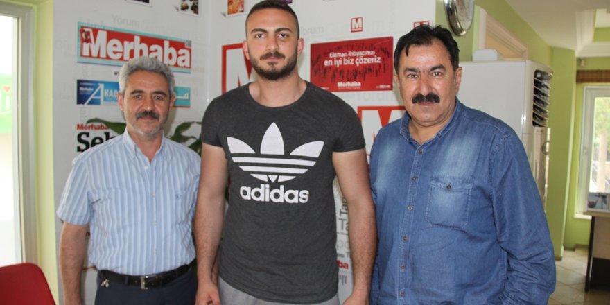 Mehmet ilk maçında Rus'u nakavt etti