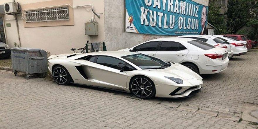 Kenan Sofuoğlu parti toplantısına Lamborghinii Ile geldi