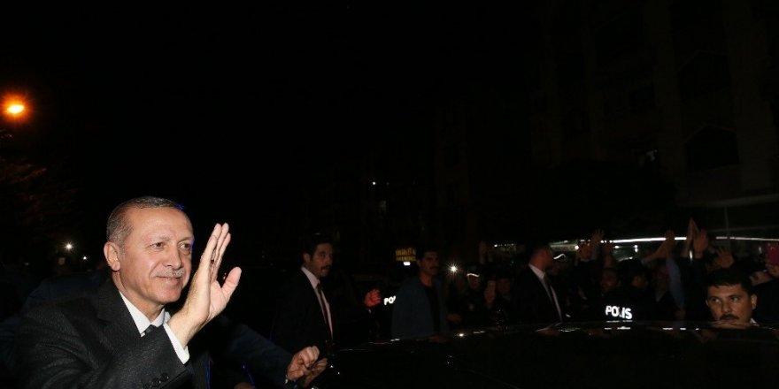 Cumhurbaşkanı Erdoğan Abdulhakim Arvasi Hazretleri'ni ziyaret etti