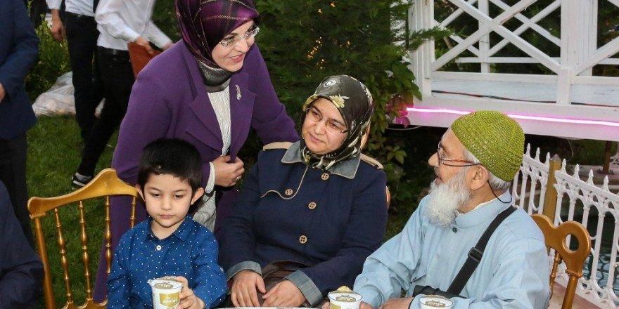 Meram ailesi iftarda buluştu