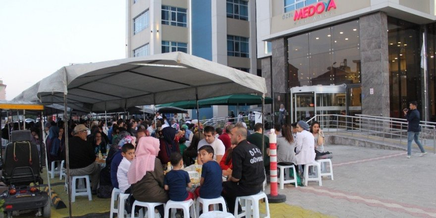 Medova Hastanesi 2. kuruluş yıldönümünü kutluyor