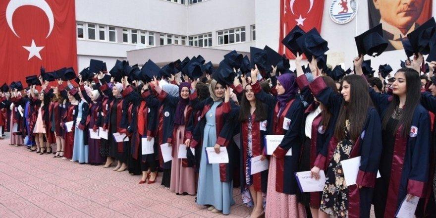 MYO'larda mezuniyet heyecanı
