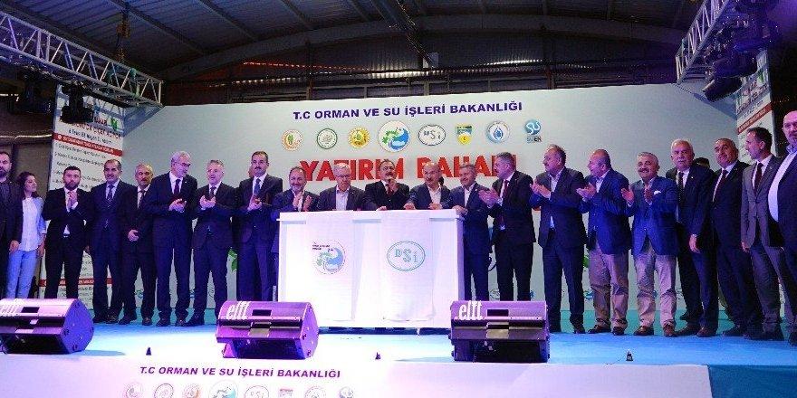 188 milyon TL değerindeki 6 tesisin temeli, sahur vakti atıldı