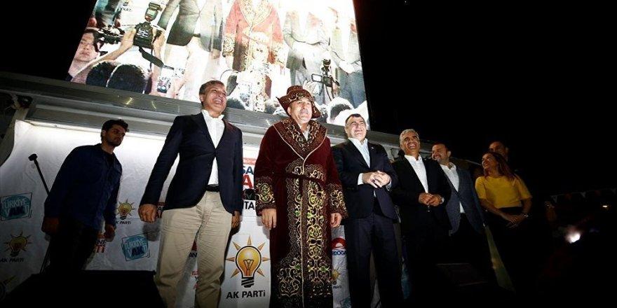 Çavuşoğlu: 30 bin civarında Ahıska Türk'ü için vatandaşlık veriyoruz