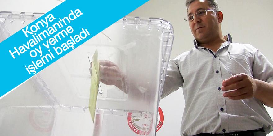Konya Havalimanı'nda oy verme işlemi başladı