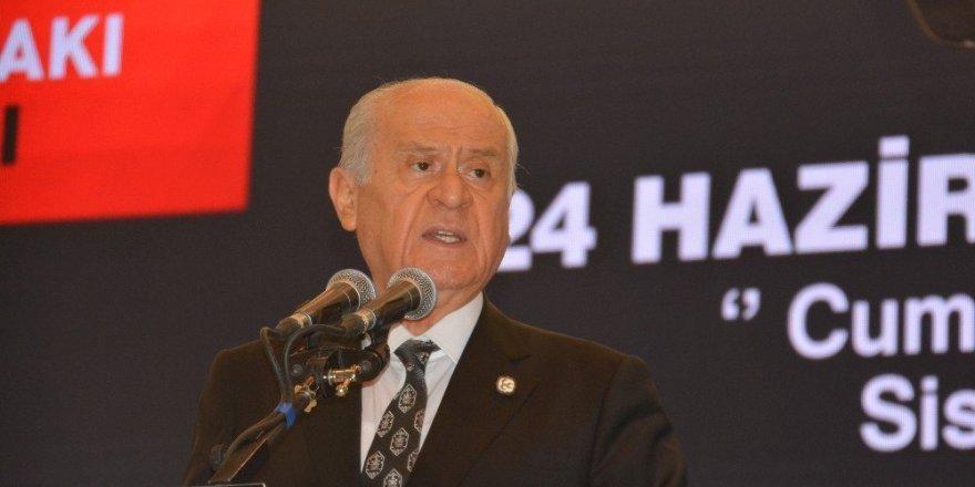 Devlet Bahçeli, Erdoğan'ı arayarak tebrik etti