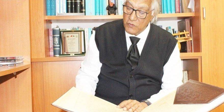"""Prof. Dr. Erkan Türkmen'den 4 dilde """"Mesnevi"""" dersleri"""