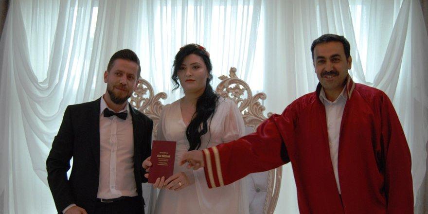 Ebru& Nurullah dünya evine girdi