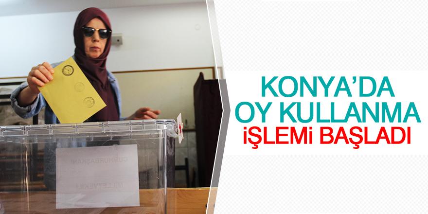 Konya'da oy kullanma işlemi başladı