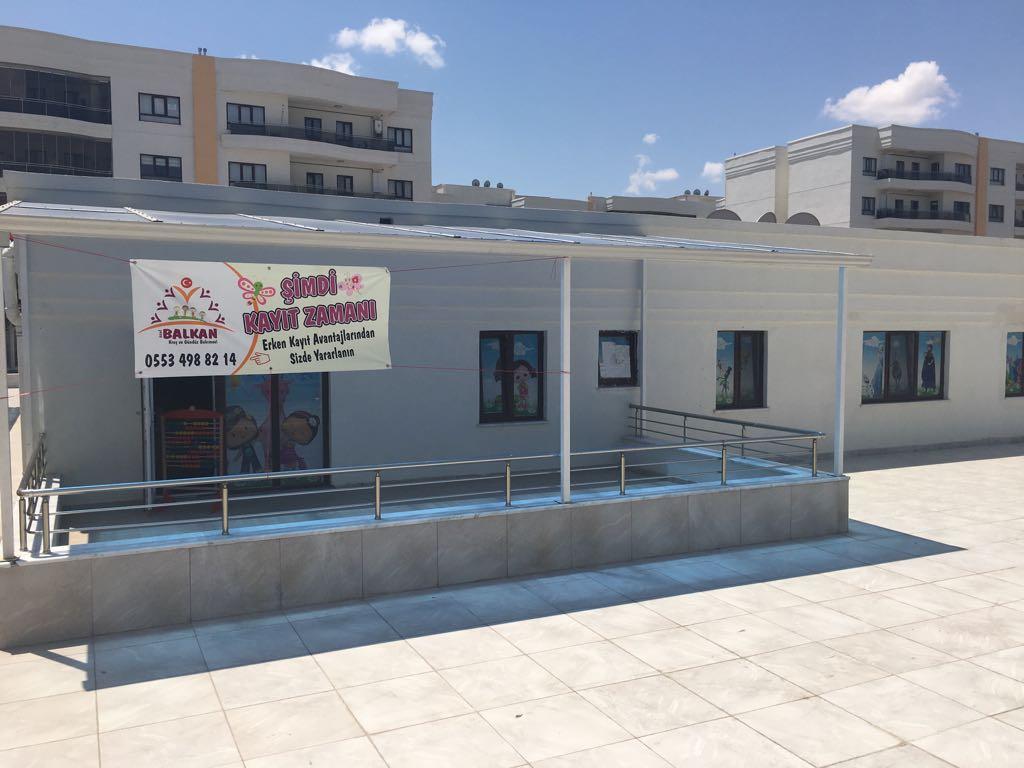 Konya'nın yüzme havuzlu kreşi hizmette