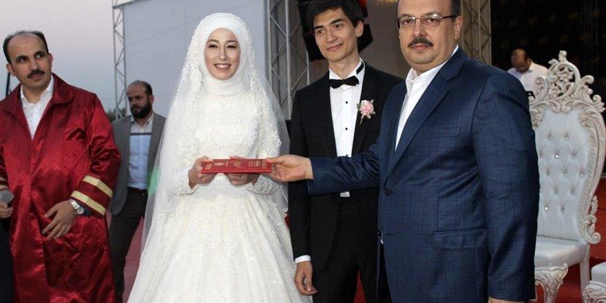 Memiş Kütükcü'nün kızı Sevde evlendi