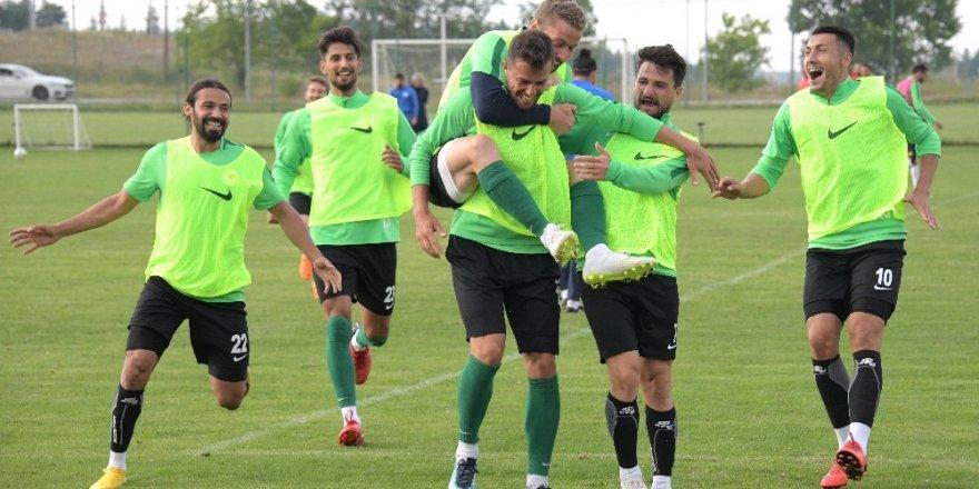 Konyaspor'a Hollanda kampı öncesi 4 gün izin