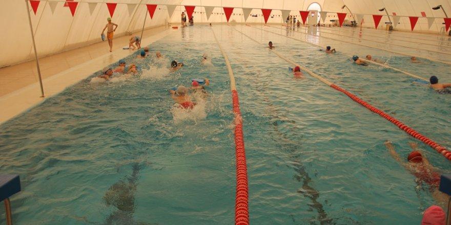 Yaz spor okullarında kulaçlar atılıyor