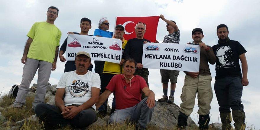 Konyalı dağcılarda 15 Temmuz zirve tırmanışı