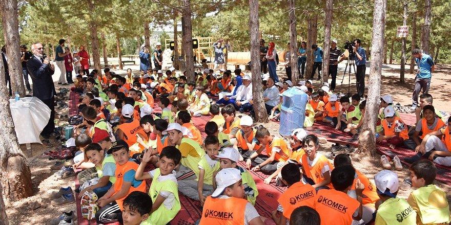 Müftü yaz kampındaki öğrencilerle buluştu