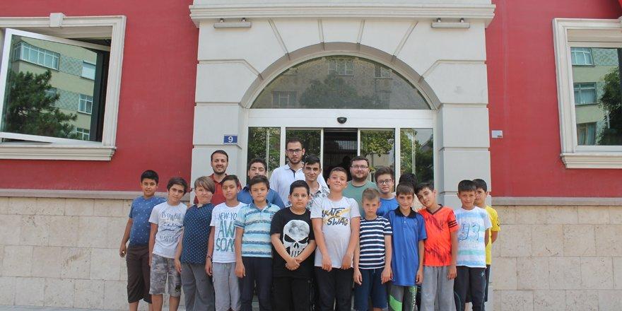 YAZ-ET öğrencilerinden Merhaba'ya ziyaret