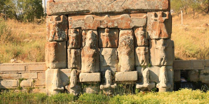 Eflatunpınar Hitit Su Anıtı'na ziyaretçi ilgisi