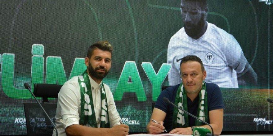 Atiker Konyaspor 3 futbolcuyla sözleşme yeniledi