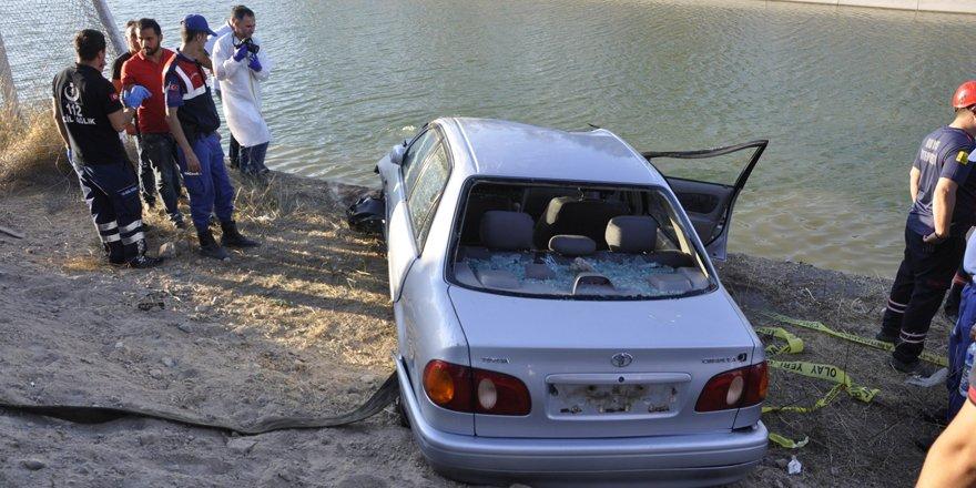 Otomobil sulama kanalına uçtu, yaşlı çift hayatını kaybetti