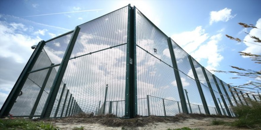 Belçika göçmenleri tek merkezde toplayacak
