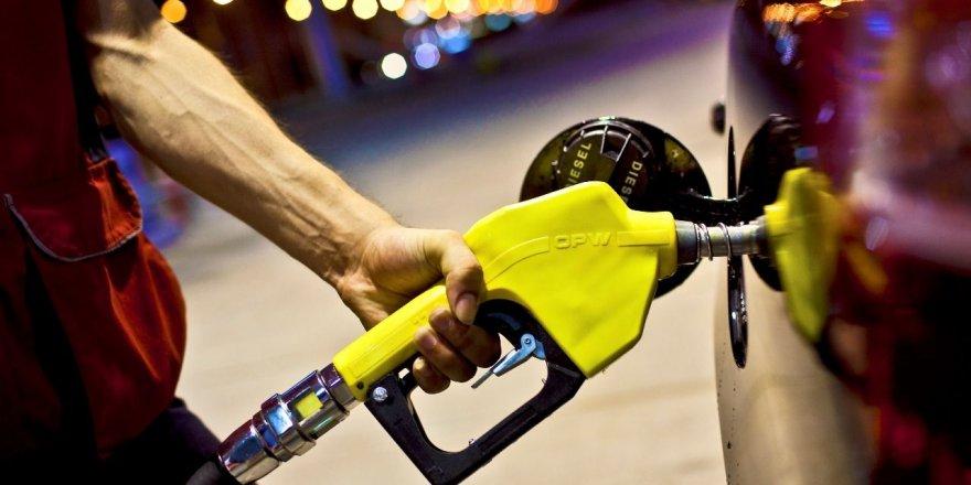 Benzin fiyatlarına indirim geldi!