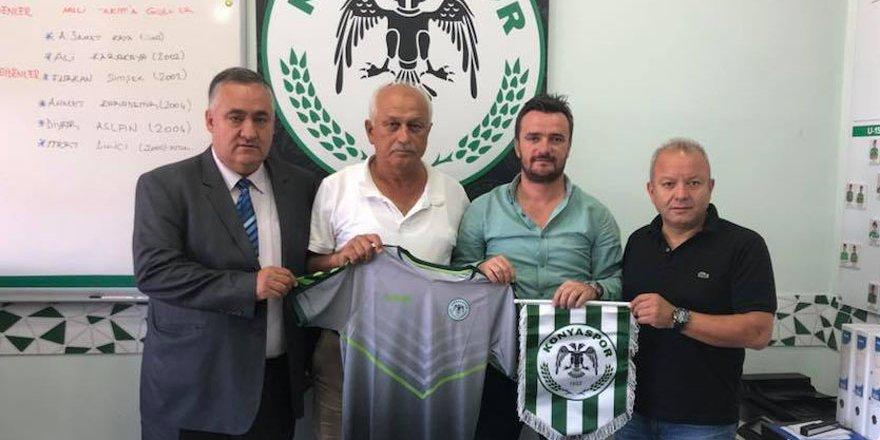 Konyaspor, Mersin'de futbol okulu açtı