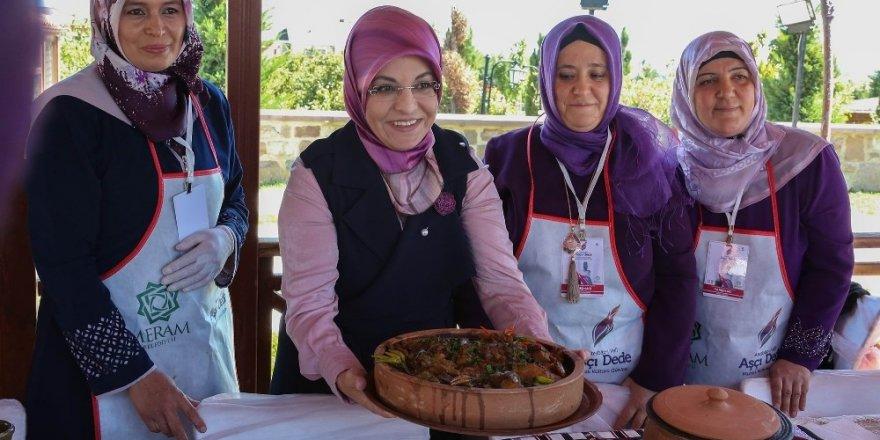 Geleneksel Konya yemekleri Meram'da yarıştı