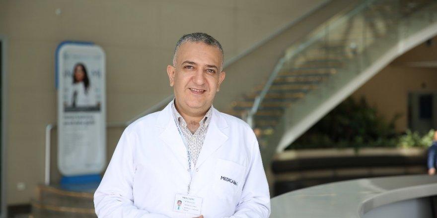 Doç. Dr. Mustafa Ülker: Yılda bir kez diş muayenesi yaptırın