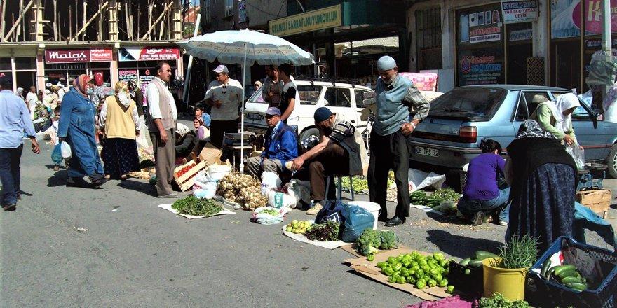 Seydişehir'de organik köy pazarına yoğun ilgi