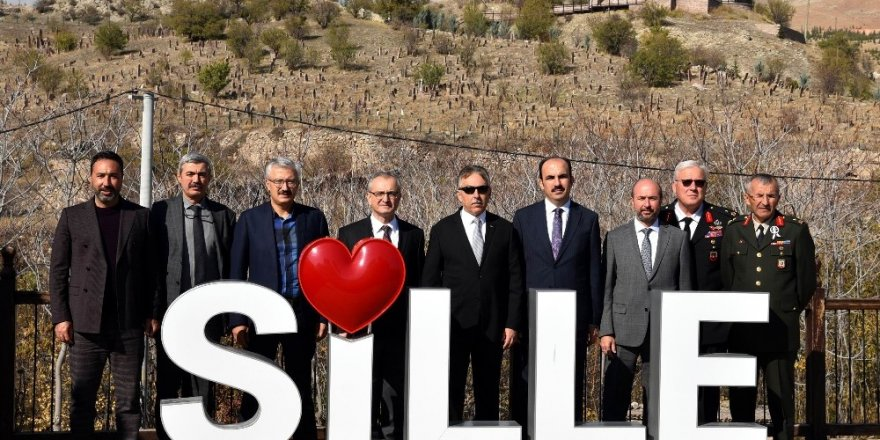Vali Toprak, Sille'yi ziyaret etti