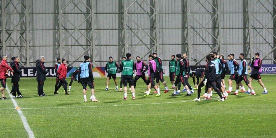 A Milli Takım İsveç maçı hazırlılarını tamamladı