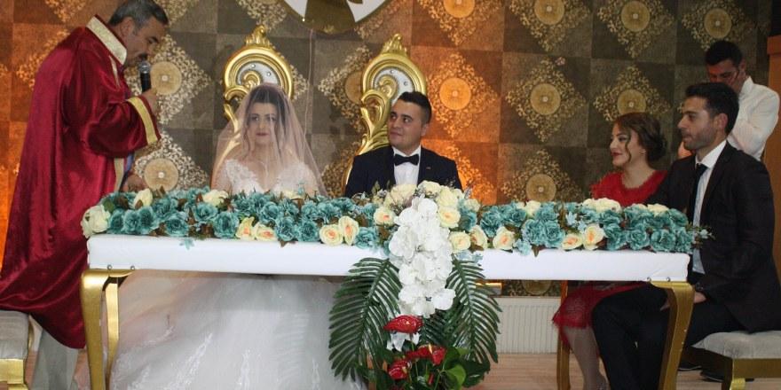 Meliha ve Ahmet mutluluğa 'evet' dedi
