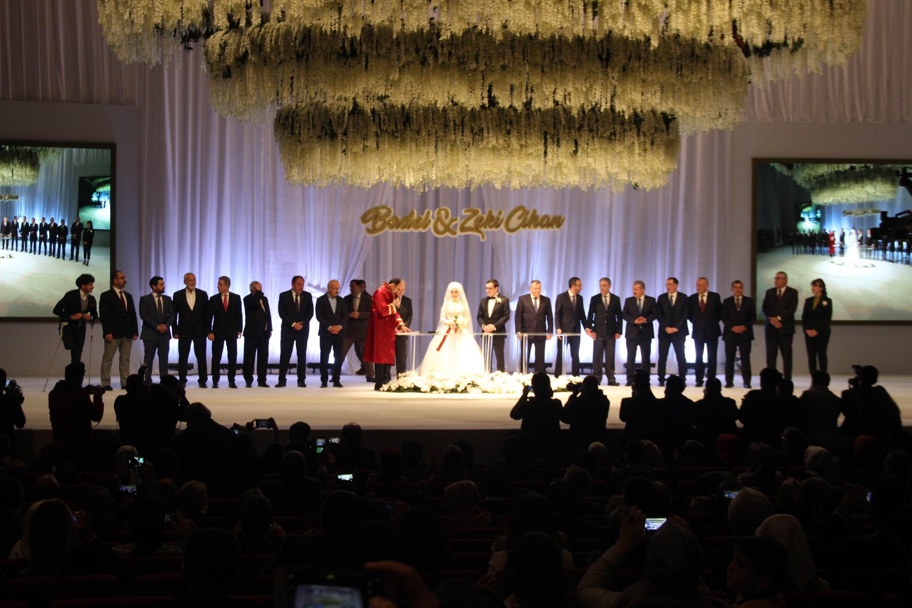 Mehmet Baykan oğlunu evlendirdi