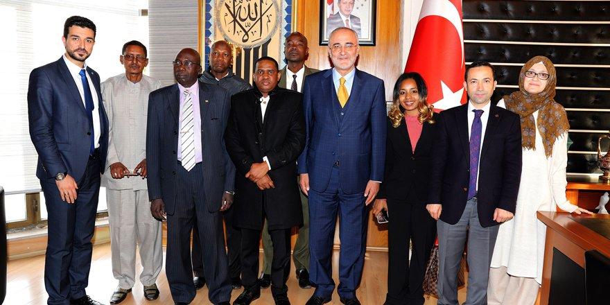Nijerli Bakandan Büyükşehir'e ziyaret