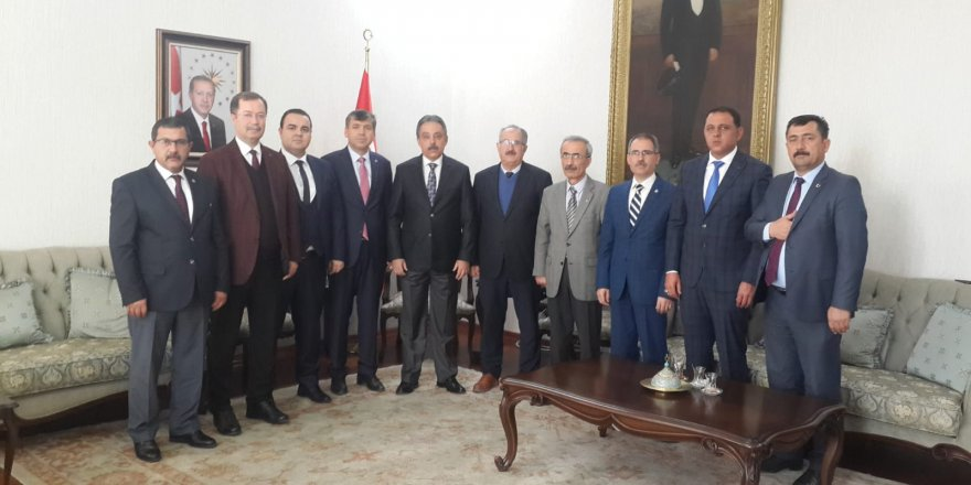 Kamu-Sen Konya'danVali Toprak'a ziyaret