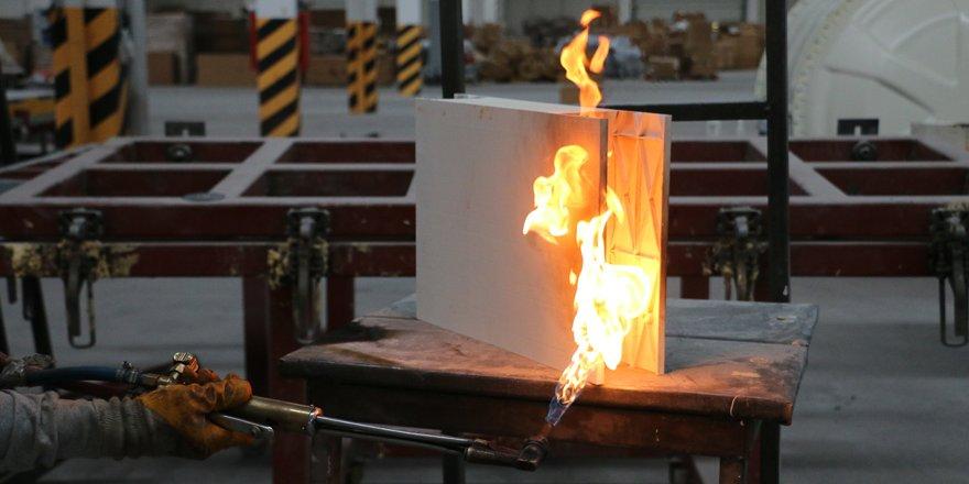 Uçaklarda kullanılan malzemeden 'yanmayan evler' üretiyorlar