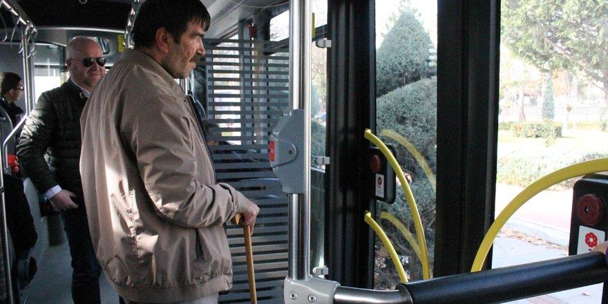 Konya'da görme engelliler otobüslerde inecekleri durakları duyacak